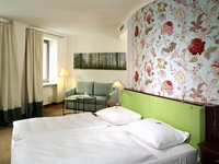 hotel goliath am dom regensburg nordic walking norwal hotel. Black Bedroom Furniture Sets. Home Design Ideas